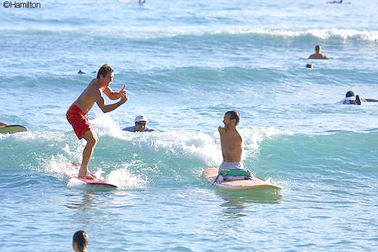 Le surf sans les mains…et sans les pieds !