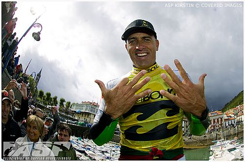 Kelly Slater est le plus vieux champion du monde de surf !