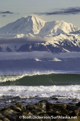 Surfer en Alaska