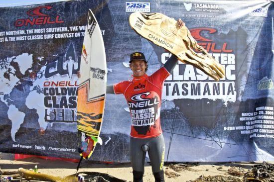 Jordy Smith remporte le Cold Water Classic en Tasmanie