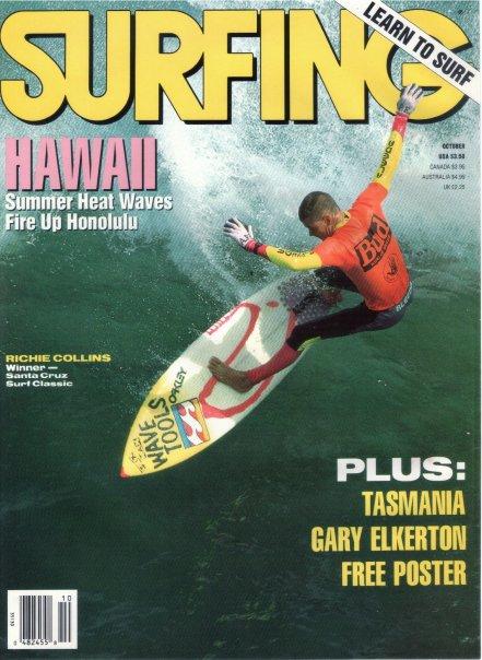 Richie Collins apparaît en couverture de Surfing Magazine avec des gants palmés.