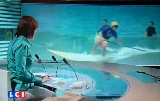 Reportage télévisé sur le surf et le port du casque sur LCI