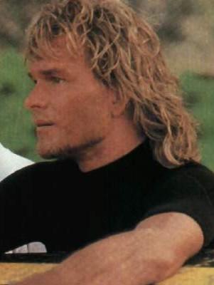 Patrick Swayze l'acteur de Point Break est mort d'un cancer du pancréas en septembre 2009. RIP.