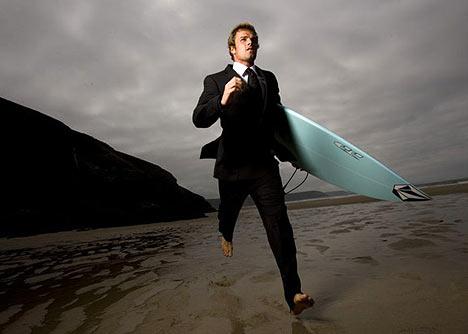 Surfeur en smoking