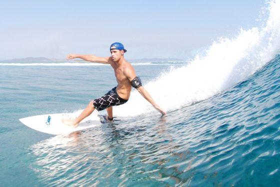Surfer dans l'eau avec son iPhone : c'est possible !