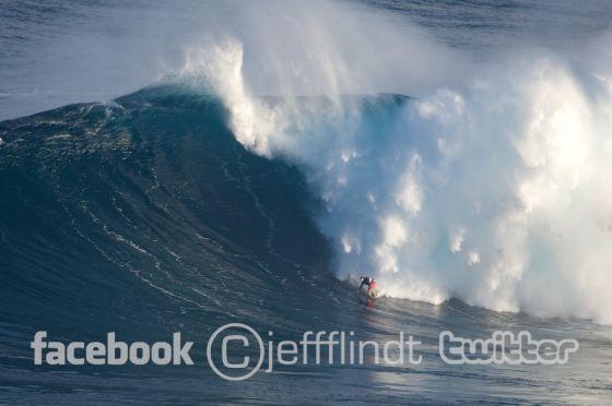 Ian Walsh surfe à Jaws le lundi 7.12.2009