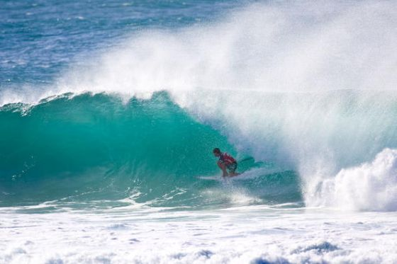 """Michael Picon alias Miky, tube grab rail backside à Backdoor, round 2 of the Billabong Pro Pipeline Masters scoring a perfect 10 point ride on December 10, 2009 at the Banzai Pipeline on the North Shore, Hawaii. (Photo by Kirstin Scholtz/ASP/CI via Getty Images) """" title=""""Michael Picon alias Miky, tube grab rail backside à Backdoor, round 2 of the Billabong Pro Pipeline Masters scoring a perfect 10 point ride on December 10, 2009 at the Banzai Pipeline on the North Shore, Hawaii. (Photo by Kirstin Scholtz/ASP/CI via Getty Images)"""