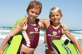 2 enfants sauvent un adulte de la noyade en Australie ! Gold Coast Bulletin