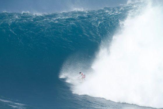 Tyler Larronde, 15 ans, le plus jeune surfeur à Jaws…