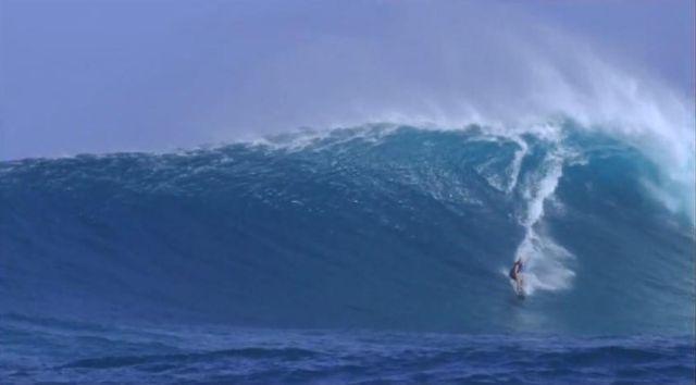 Bethany Hamilton surfing Jaws le 5 decembre 2009 source capture ecran video youtube billabong xxl awards
