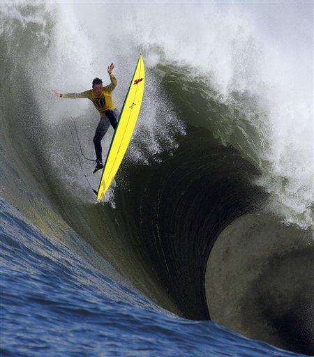 Surf à Mavericks : Ion Banner sur le fil du rasoir…
