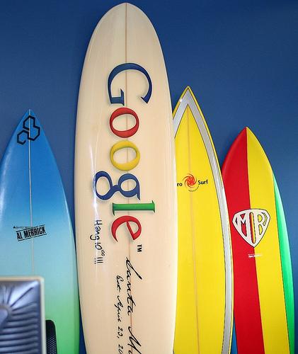 La planche de surf Google surfboard insolite al merrick mr