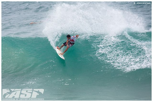 Jeremy Flores elimine par Dane Reynolds - Quiksilver Por Gold Coast 2010 - photo ASP