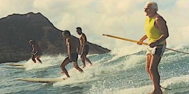 John Zapotocky pionnier du SUP stand up paddle surf - le surf pour les personnes agees - surf therapie