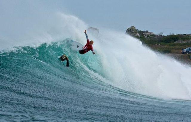 Le surfer Stuart Kennedy gagne la compétition en Tasmanie
