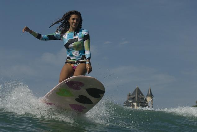 Prévention : faire du surf pour préserver ses articulations