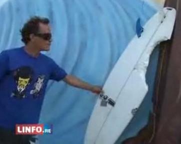 Olivier et sa planche de surf croquee par un requin a Saint Benoit sur Ile de la Reunion
