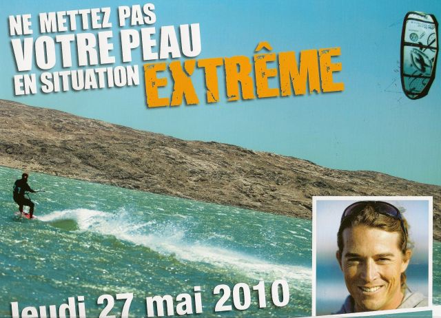 Alexandre CAIZERGUES champion du monde de vitesse en kitesurf - affiche prevention solaire - Journee Nationale de Prevention et de Depistage des cancers de la peau - 27 Mai 2010