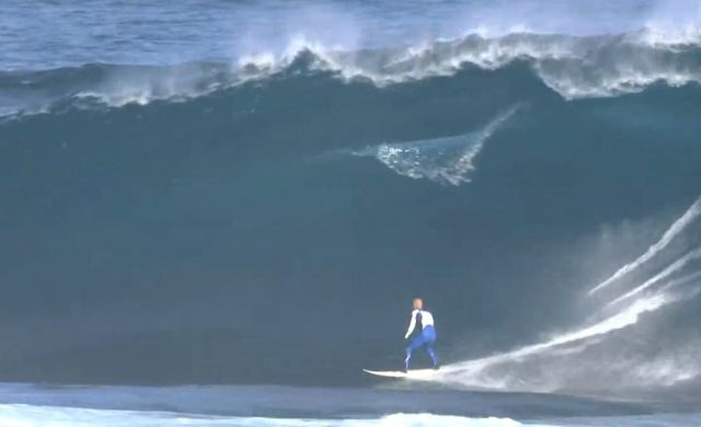 Kelly Slater Shipstern Bluff Tasmania 16 April 2010 - Video Vimeo ASL screenshot
