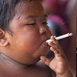 Santé: les ravages du tabac sur les femmes et les enfants
