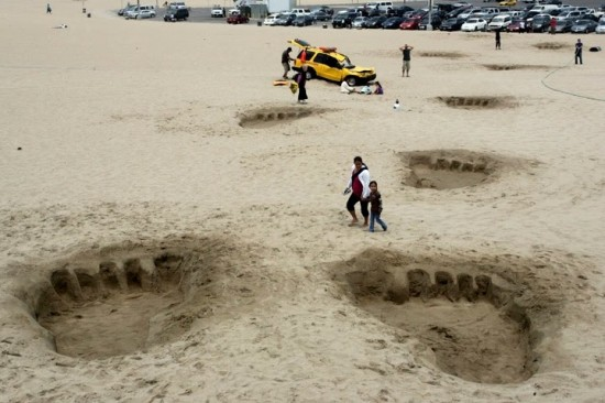 Des traces de pas géantes retrouvées sur une plage en Californie…