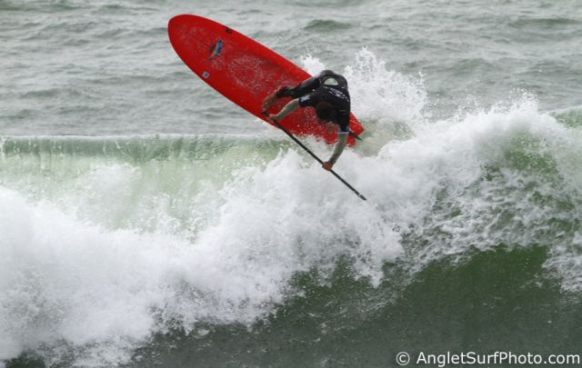 Peyo Liza - gros roller aerien backside - SUP WT Anglet