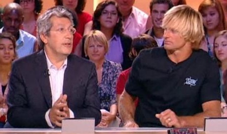 Laird Hamilton et Alain Chabat au Grand Journal