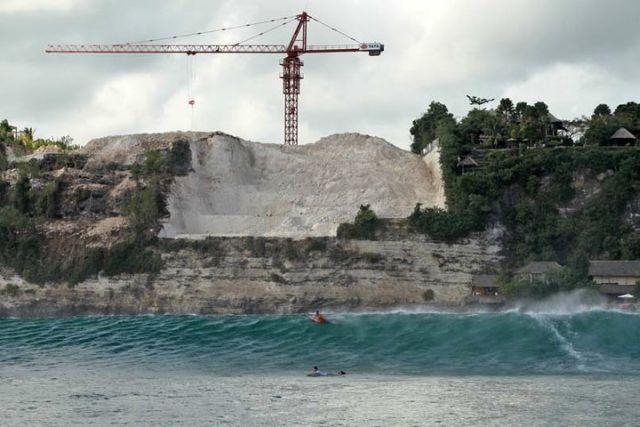 Bali : Alerte au bétonnage au Paradis des Surfeurs