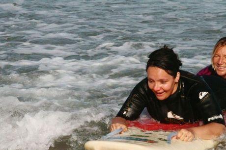 Surf Thérapie : quand le surf éteint le handicap