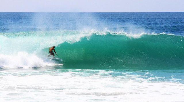 Danielle + Earl : les surfeurs de la Côte Est en profitent