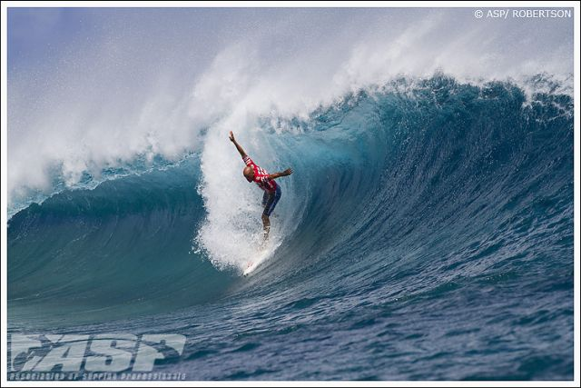 Moment fort à Teahupoo : le tube à 10 points de Kelly Slater