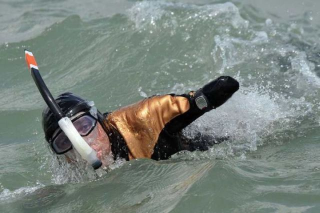 Philippe Croizon ampute des quatre membres a reussi la traversee de la Manche !