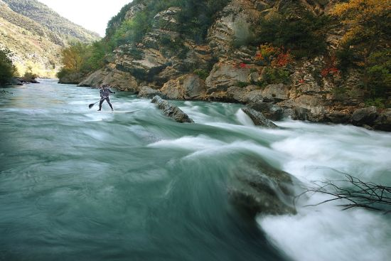 Stand-Up Paddle - SUP dans les gorges du verdon par Alex Gregoire - Photo Gayte