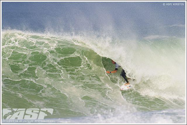 Le surfeur Mick Fanning remporte une victoire méritée à Hossegor