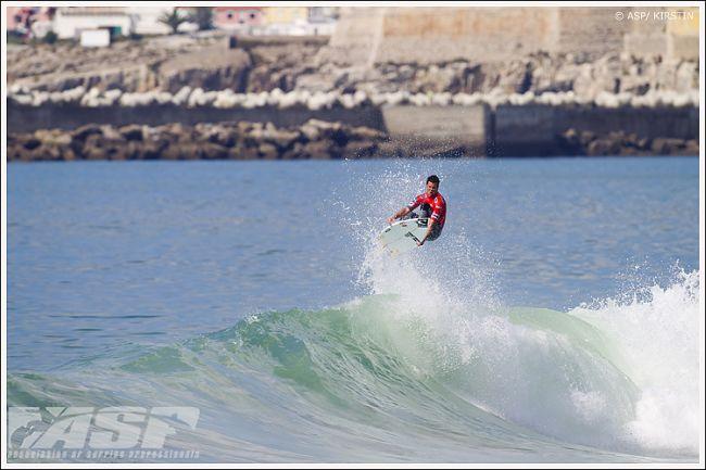 Le surfeur Jordy Smith victime d'une entorse (bénigne ?) de la cheville…