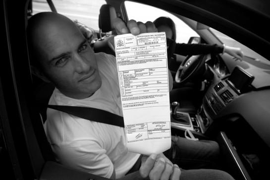 Sécurité Routière : Kelly Slater prend une amende au volant d'une Mercedes