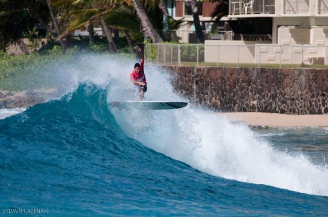 Longboard : Duane DeSoto et Antoine Delpero en finale à Makaha