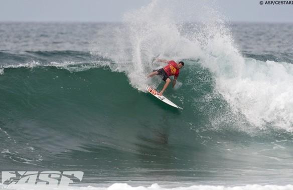 Retour de blessure gagnant pour le surfeur Joel Parkinson à Hawaii !