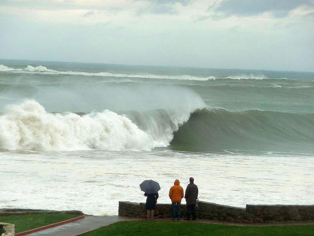 Tempête du 9 Novembre 2010 : très grosses vagues à Mundaka !