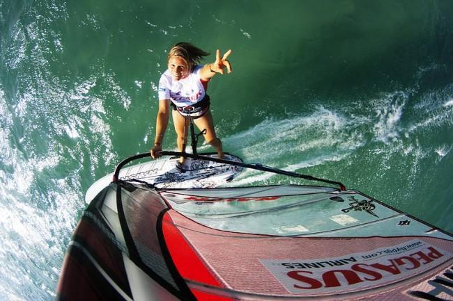 Sarah Hébert : la Vie en Wind Surf avec un Défibrillateur Cardiaque Implantable