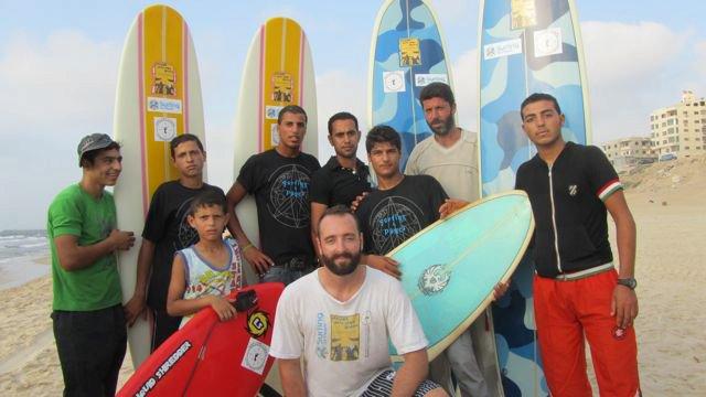 Reportage 66 Minutes : le surf dans la Bande De Gaza avec Surfing For Peace