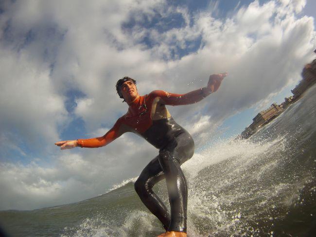 Bandeau SurfMuff : une combinaison pour les oreilles du surfeur !