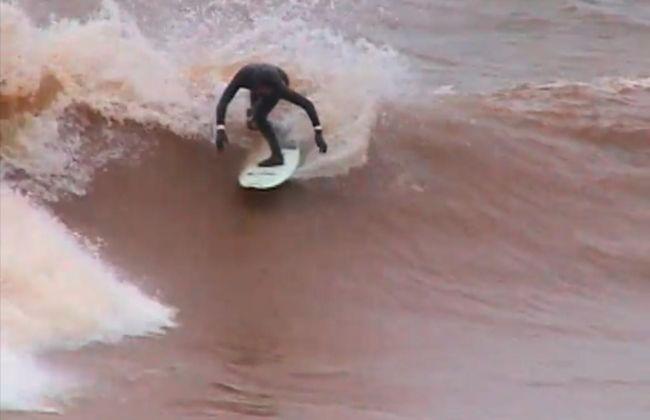Surf Trip en eau douce dans le Minnesota avec Greg Long
