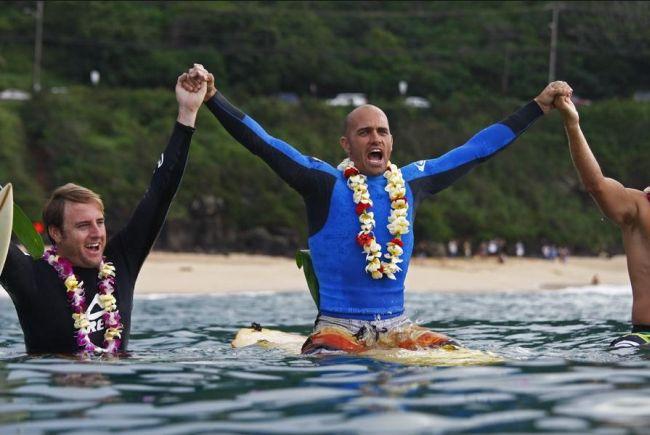 Cérémonie d'ouverture de la compétition de surf en mémoire d'Eddie Aikau