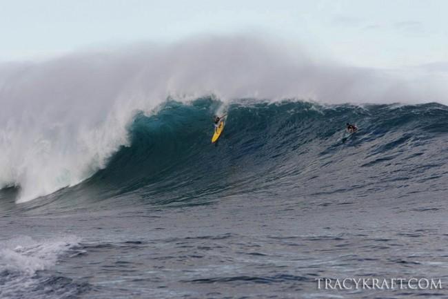 Ils ont surfé la gauche de Jaws… à la rame !