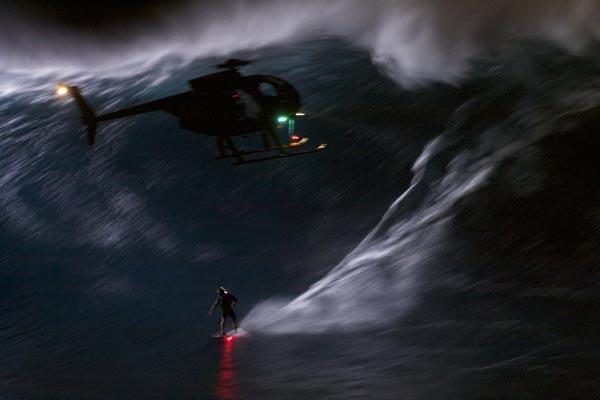 Surf de nuit à Jaws : Mark Visser avait préparé son coup