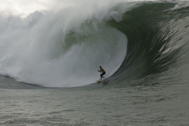 Benjamin Sanchis et Eric Rebiere gagnent le Surf Session Tow-in de Mullaghmore Head