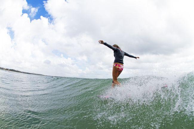 Santé : surfer régulièrement pour diminuer le risque de cancer