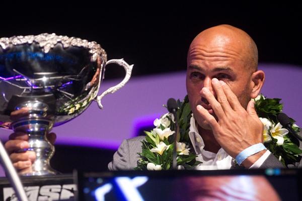 ASP Banquet 2011 : Kelly Slater dédie son trophée à Andy Irons