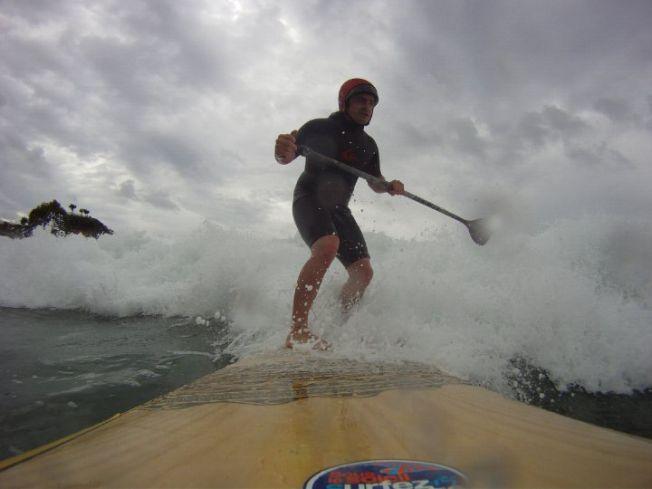 Comment mon casque de surf a (encore) sauvé ma tête…
